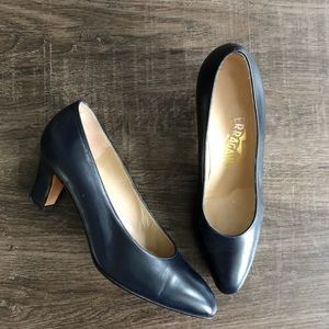 Salvatore Ferragamo Vintage Leather Pumps Sz 6.5 B